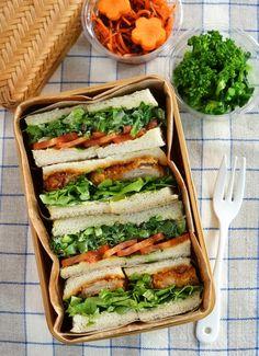 # M o r n i n g bento Lunch Box Bento, Lunch Snacks, Bento Recipes, Cooking Recipes, Healthy Recipes, Japanese Sandwich, Japanese Lunch Box, Japanese Food, Onigirazu