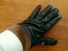 Leather. Sheepskin gloves