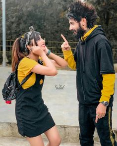 Love Couple Photo, Couple Picture Poses, Cute Love Couple, Cute Girl Photo, Cute Couple Selfies, Cute Couple Images, Friend Poses Photography, Romantic Couples Photography, Brother Sister Poses