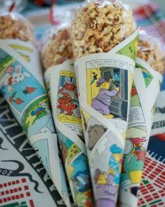 (karamel) popcorn in een puntzak van een heel oude strip, leuk om daar 2e hands strip boek voor te gebruiken, leuk voor de meiden om te trakteren. bv verschillende smaken