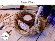 Nossos Porta Velas são super lindinhos! Com base em madeira e revestidos com papel em alto relevo com lindas estampas coloridas, dão mais charme à decoração do seu cantinho de oração.