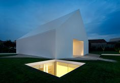 A modern, minimal house located on the outskirts of Leiria, Portugal by Aires Mateus . The house doesn't . Architecture Bauhaus, Minimalist Architecture, Residential Architecture, Amazing Architecture, Contemporary Architecture, Art And Architecture, Contemporary Houses, Contemporary Design, Design Exterior