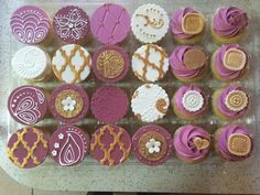 Cupcakes by Nicole Redd-McIntosh using our Moroccan Lattice Silicone Onlay