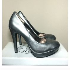 Beautiful Steve Madden pumps Silver-grey pump. Theses shoes are gorgeous! Bought from another posher and there are just a tad too small . I'm devastated but can't be selfish and not share these beauties with someone else who can wear them! Only tried one, never worn out. Steve Madden Shoes Heels