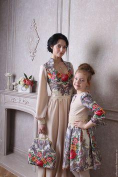Платья ручной работы. Ярмарка Мастеров - ручная работа. Купить Платье из павловопосадского платка сон бабочки для мамы и дочки. Handmade.