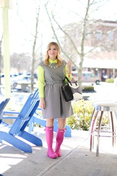 GlamGrace - By Tabby Pink hunter rain boots styled with a gingham dress. Jcrew/ Hunter/ Zara