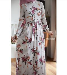 Pinterest: just4girls Maxi Outfits, Hijab Outfit, Fashion Outfits, Hijab Collection, Hijab Trends, Abaya Fashion, Muslim Fashion, Islamic Clothing, Modest Dresses
