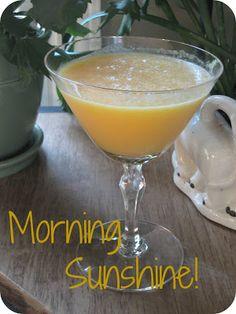 ~FP~ Morning Sunshine ~ lemon, cut in half - grapefruit, - tsp ground ginger - tsp ground turmeric - dash RealSalt - tsp coconut oil - Dash of Pure stevia - 1 quart filtered water - 1 cup ice Yummy Drinks, Healthy Drinks, Healthy Eating, Healthy Meals, Smoothie Drinks, Smoothies, Grapefruit Smoothie, Trim Healthy Mama Plan, Mama Recipe