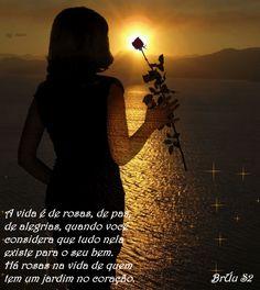 A coisa mais importante do mundo é tempo livre.  Você tem? http://mude.blogspot.com.br/2012/05/felicidade_19.html /Entendo o que quer dizer.; a outra vida q não se vive, se vegeta. A felicidade está lá e a gente se apega inconscientemente e automaticamente a esta, repleta de problemas p/ se resolver. Compromissos, enfim todos nós somos assim, não somos, poeta? A gente sabe q precisa viver feliz, mas o q se vive não é nada bom. Procuramos a felicidade e ela está conosco  mesmo só q não perceb