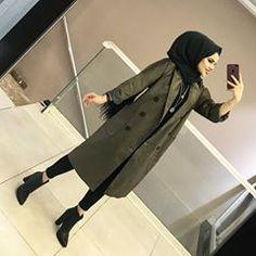 YENİLERDEN KADİFE TRENCİMİZ ❤️ 170₺ 36-42 HAKİ CAMEL ACIKAHVE LACİ Hijab Niqab, Ootd Hijab, Hijab Chic, Hijab Dress, Hijab Outfit, Arab Fashion, Muslim Fashion, Modest Fashion, Womens Fashion