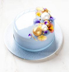 Popcorn, Orelys chocolate and Sansho pepper mousse cake - In Love With Cake Gluten Free Popcorn, Mirror Glaze Cake, Natural Food Coloring, Chocolate Butter, Mousse Cake, Cake Mold, Tray Bakes, Cake Designs, Cake Decorating