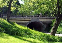 Central Park - Playmates Arch