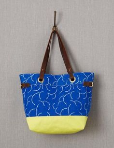 I've spotted this @BodenClothing Blighty Beach Bag Periwinkle Clouds