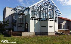 Casa Moderna, construita pe Structura Metalica Usoara Smart Set, Metal, Construction, Mansions, House Styles, Home Decor, Trendy Tree, Houses, Building