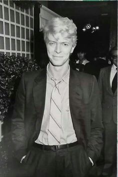 David Bowie. He's so handsome!