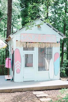 """surf shack"" playhouse makeover for luau"