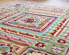 Demelza afghan ~ free pattern  ☂ᙓᖇᗴᔕᗩ ᖇᙓᔕ☂ᙓᘐᘎᓮ http://www.pinterest.com/teretegui/