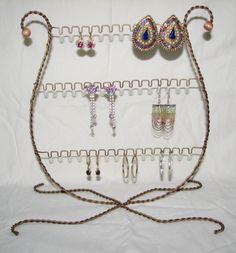 Lyre jewelry holder
