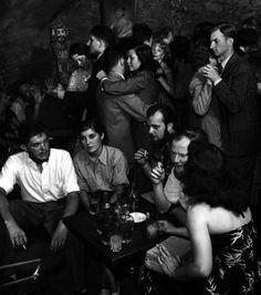 Paris 1949  Jazz at a local bar  Photo: Dmitri Kessel