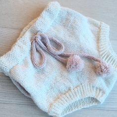 | SHORTS MED LOMMER | Klar for damping og bruk i påsken Takk for at jeg fikk teststrikke @jeanettegreendesign  #jeanettegreendesign #shortsmedlommer #sandnesgarn #alpakkasilke #strikke #strikking #strikkedilla #strikkemamma #strikktilbarn #jegstrikker #ullergull #sticka #stickning #knit #knitting #knittingaddict #knitted_inspiration #iknit