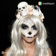 Beautiful work from @annalingis #facepainting #makeup #professional #sugarskulls #skull #facepaint #bodypaint #bodypainting #thefacepaintingshop #facepainters
