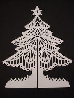 Melanie's Crafting Spot: Intricate 3-D Christmas Tree