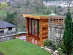 5 Favorites: Summery Green Roofs in the City : Gardenista - Shed converted into an office, green roof