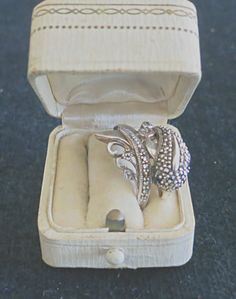 Heirloom Display Ring Box Antique Creamy Celluloid Ring Box Cream Celluloid Velvet Engagement Proposal Ring box Presentation Off White