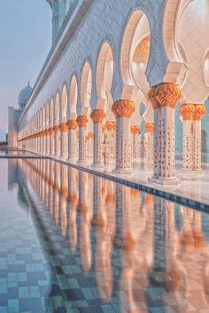Sunset at Grand Mosque Abu Dhabi Islamic Architecture, Beautiful Architecture, Art And Architecture, Architecture Wallpaper, Places Around The World, Oh The Places You'll Go, Around The Worlds, Beautiful World, Beautiful Places