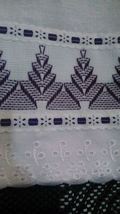 Swedish Embroidery, Towel Embroidery, Silk Ribbon Embroidery, Huck Towels, Swedish Weaving Patterns, Bargello Needlepoint, Chicken Scratch Embroidery, Monks Cloth, Weaving Projects