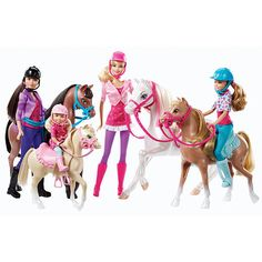 Bring her fave movie, Barbie™ & Her Sisters In A Pony Tale, to life with this fun Barbie family Horse Adventure Playset!