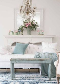 √ 50 Resourceful and Classy Shabby Chic Living Rooms Shabby Chic Living Room Furniture, Shabby Chic Interiors, Shabby Chic Bedrooms, Living Room Decor, Living Rooms, Country Interior Design, Romantic Shabby Chic, Romantic Cottage, Selling Furniture