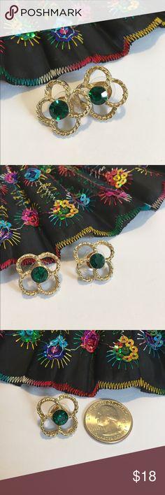 Vintage Swarovski crystal earrings VINTAGE 1980's Stunning Swarovski crystal earrings. 💚Emerald green crystal post earrings. Absolutely gorgeous! EUC 💚 9/10 Vintage Jewelry Earrings