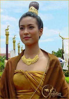 รวมภาพดาราแต่งชุดไทยสวยเลอค่างามอย่างไทย