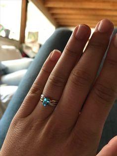 Engagement ring saphir
