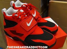 """Nike Air Diamond Turf """"Challenge Red"""" Retro Sneaker Available Now"""