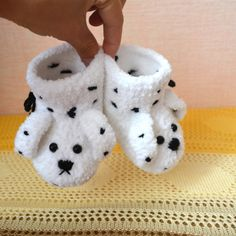Make Soft  and Plush Baby Booties with @Guidecentral