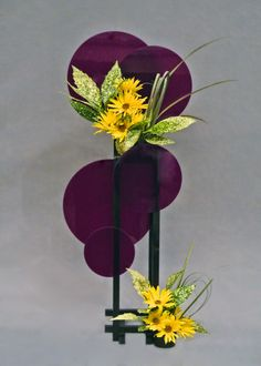 Organization of Floral Art Designers Modern Floral Arrangements, Sunflower Arrangements, Creative Flower Arrangements, Ikebana Flower Arrangement, Ikebana Arrangements, Flower Centerpieces, Flower Decorations, Flower Bar, Flower Show
