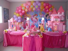 Princess Birthday Party Decorations, Disney Princess Birthday Party, Princess Theme Party, Minnie Birthday, Birthday Party Themes, Girl Birthday, Princess Party Centerpieces, Sleeping Beauty Party, First Birthday Balloons