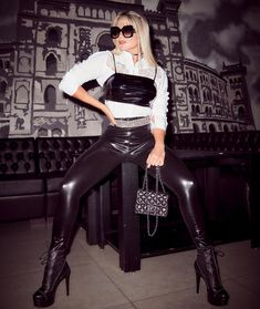 Shiny Leggings, Tight Leggings, Black Leggings, Leather Pants Outfit, Leather Jeans, Latex Pants, Leder Outfits, High Leather Boots, Fetish Fashion
