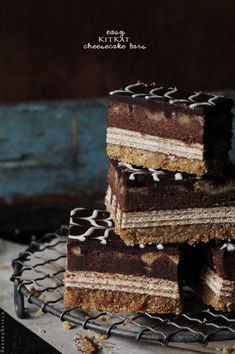 Kit Kat Cheesecake Bars from Bakers Royale. No need to go to the Cheesecake Factory. Satisfy your cheesecake cravings with these goodies. Kit Kat Cheesecake, Chocolate Cheesecake, Chocolate Desserts, Cheesecake Recipes, Dessert Recipes, Chocolate Tarts, Dessert Ideas, Fun Desserts, Dessert Bars