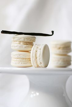Excellent tutorial for macarons! Some day I will learn how to make these. They're naturally gf!