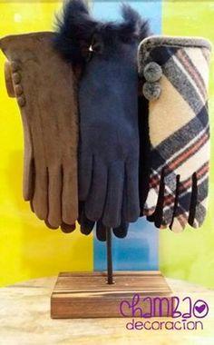 ¡¡Prepárate contra el frío, siempre a la moda!! #Felpa de #lana y #guantes. <<OFERTA 5,99€>> (Más modelos disponibles en tienda)