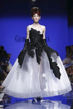 Georges Chakra Couture Fall Winter 2015 Paris - NOWFASHION