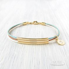Palette 3 Gold Bar Leather Bracelet Custom Initial por MuseByLAM