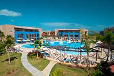 In our opinion the Grand Memories Varadero is a solid 4 stars, not quite 5 star as some suppliers rate it. It has an active pool area with lively. Cuba Honeymoon, All Inclusive Vacation Packages, Varadero Cuba, Cancun Mexico, Caribbean Cruise, Winter Travel, Tenerife, Outdoor Pool, Tours