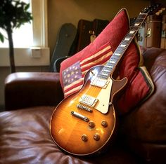 Gibson Les Paul Joe Perry 1959 Reissue - Aged and Signed. Number 37 of 50.