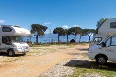 Die im Südwesten des Gardasees gelegene Stadt Lonato del Garda bietet dank ihrer Lage auf den Anhöhen des Moränen-Amphitheaters einen eindrucksvollen Panoramablick auf den Gardasee und die Brescianer Ebene.