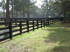 Spanish Style Fences and Gates – Bing images - Holztür Design Driveway Fence, Farm Fence, Yard Design, Fence Design, Fence Options, Fence Ideas, Garden Ideas, Ranch Fencing, Evergreen House