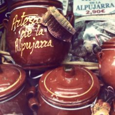 Alpujarra honey in ceramic pot